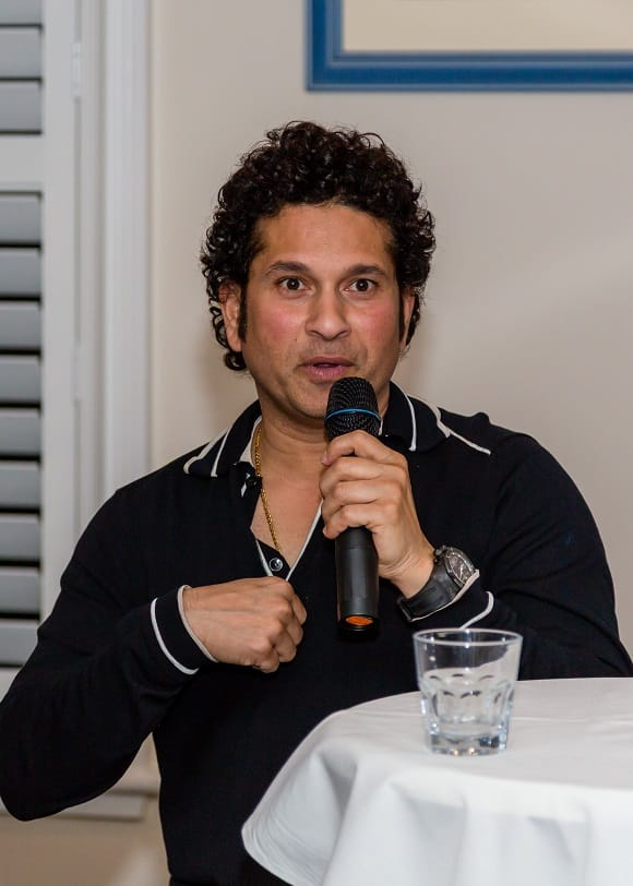 should sachin tendulkar carry on playing And in odi record list, they have mentioned saying to carry bat the through, team  isn't necessary to get all out but should have played complete.
