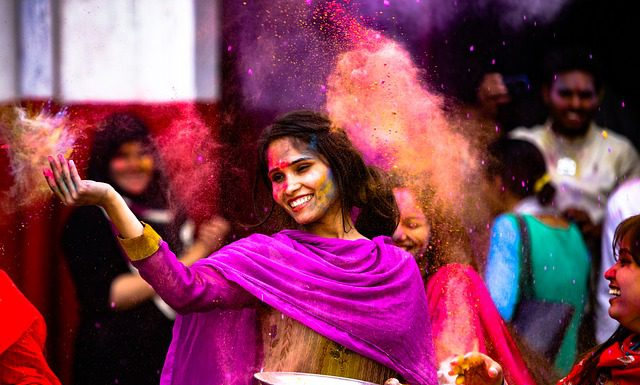 Holi Songs.Indian Link