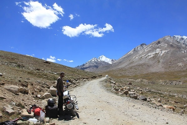 A typical road in Zanskar.IndianLink