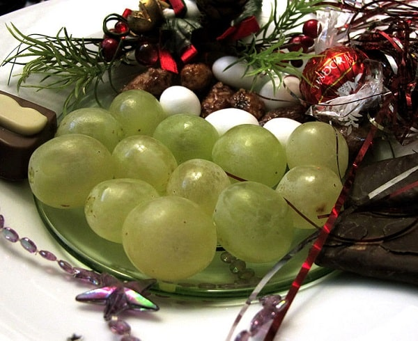 spain grapes on new years eve