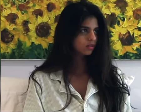 Suhana Khan make her acting debut.  Source: screengrab from a video uploaded by Theodore Gimeno  (https://www.ndtv.com/entertainment/trending-suhana-khans-easy-breezy-acting-debut-in-short-film-the-grey-part-of-blue-watch-here-2134485)