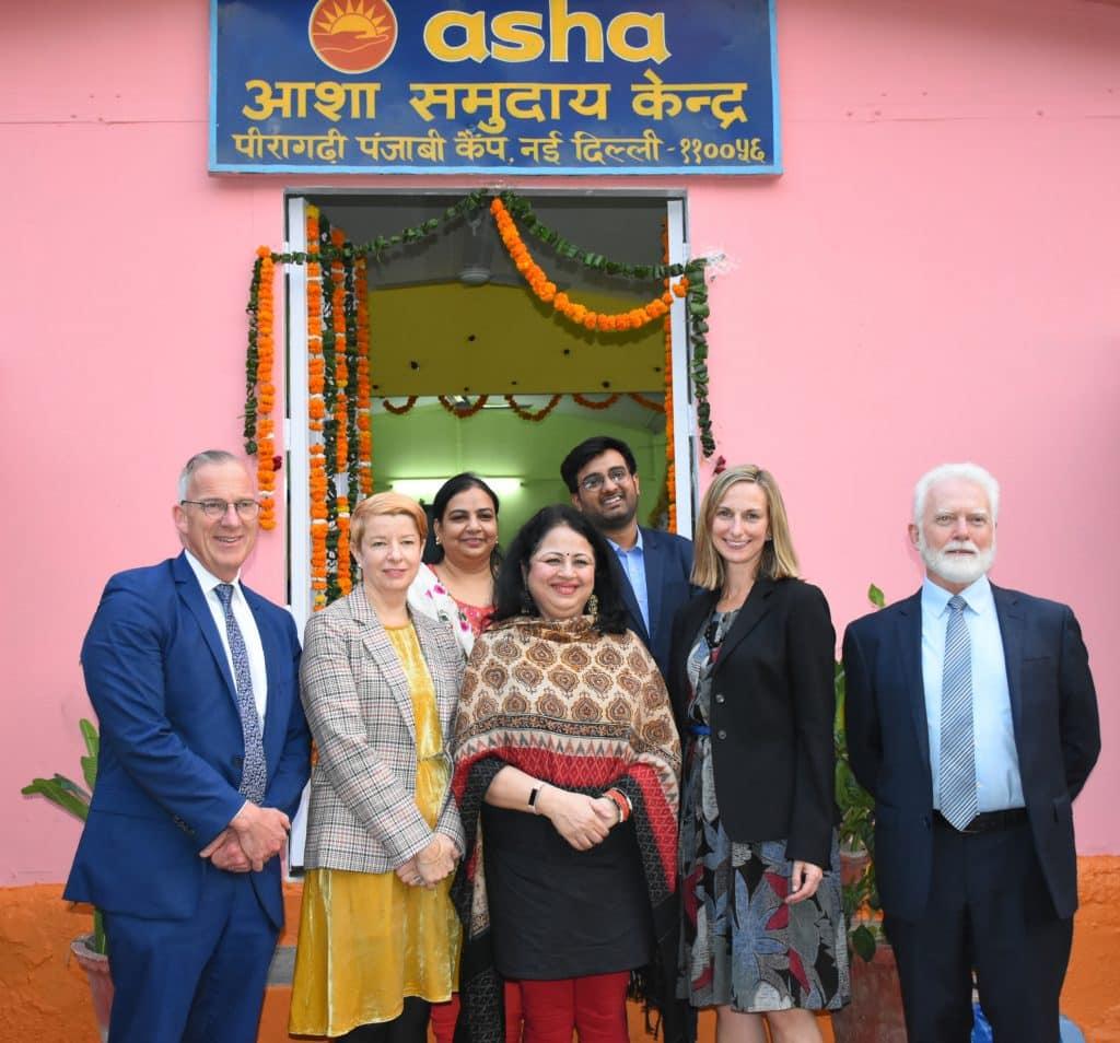 Scholarship recepient Abhishek with Usyd and Asha foundation representatives