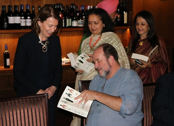 Readers gather to get their copies autographed by William Dalrymple
