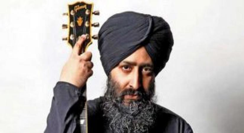 Rabbi Shergill is one of the few contemporary singers whose music, despite enjoying popularity across generations