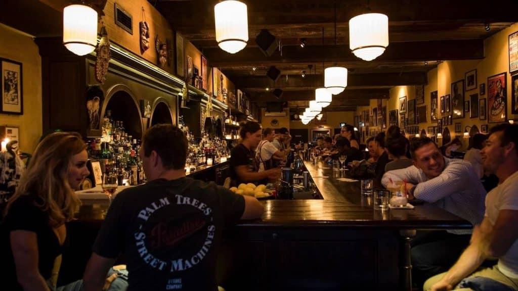 earls juke joint bar
