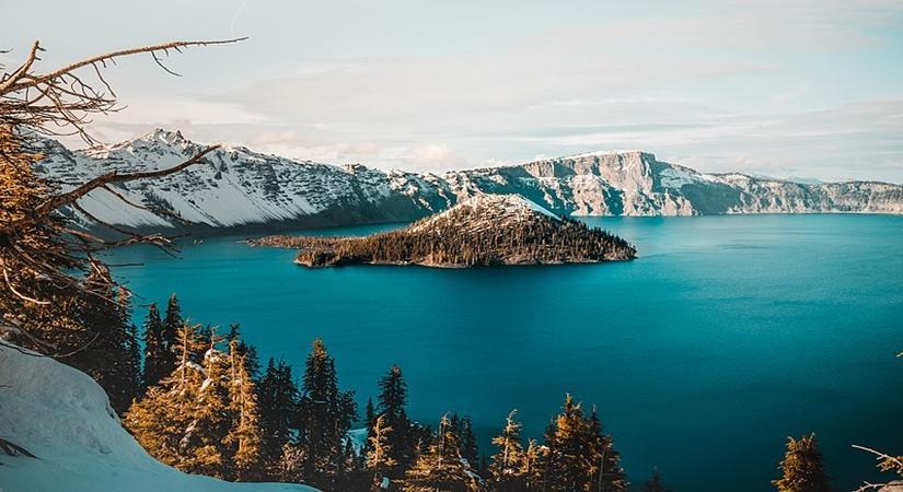crater lake national park USA