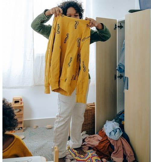 declutter closet