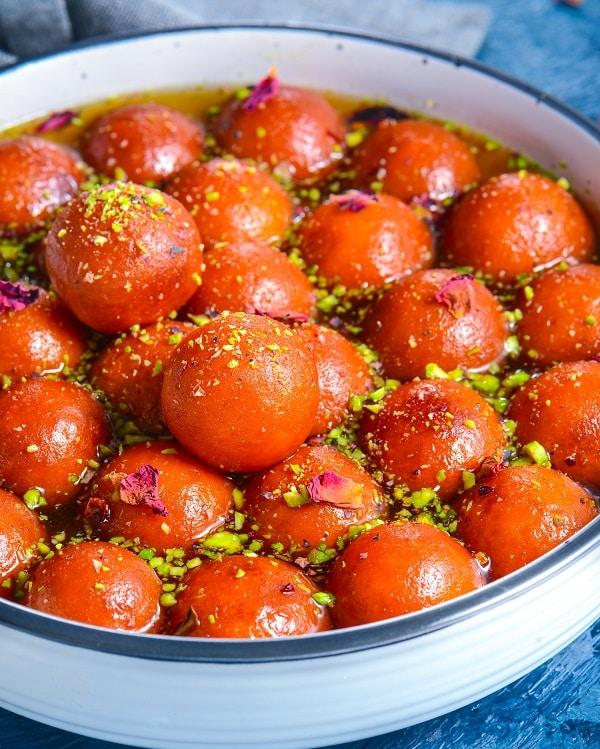 gulab jamun indian dessert