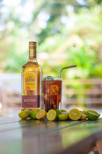 Summer cocktails guavarita