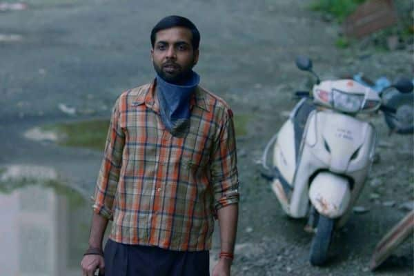 Abhishek Banerjee plays a daily wage worker in Unpaused. (film review)