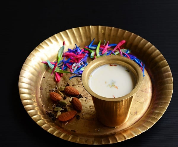 indian spiced drink thandai