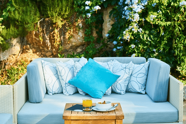 Outdoor seating layout