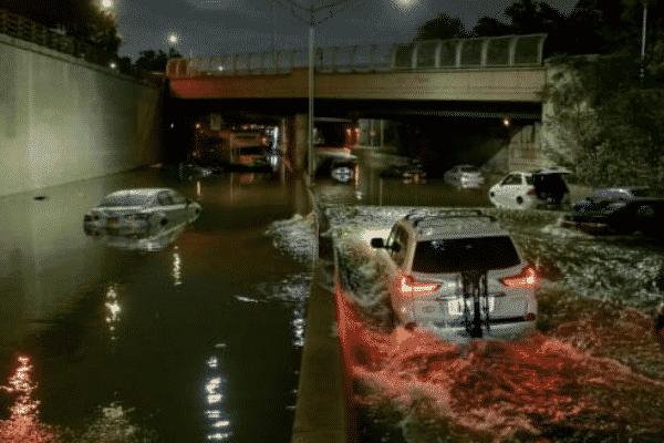 New York City Hurricane Ida flooding creating havoc on the roads. Source: Twitter